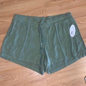 NWT Lightweight Olive Green Shorts sz 1X